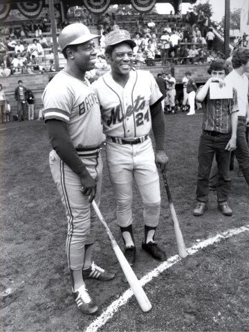 Henry Aaron, Willie Mays, 1976